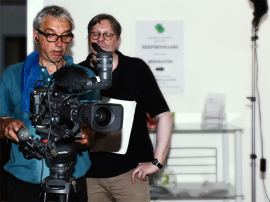 Kameramann Ferdinand Fries und Autor/Regisseur Udo Schucker beim Dreh in Bad Säckingen